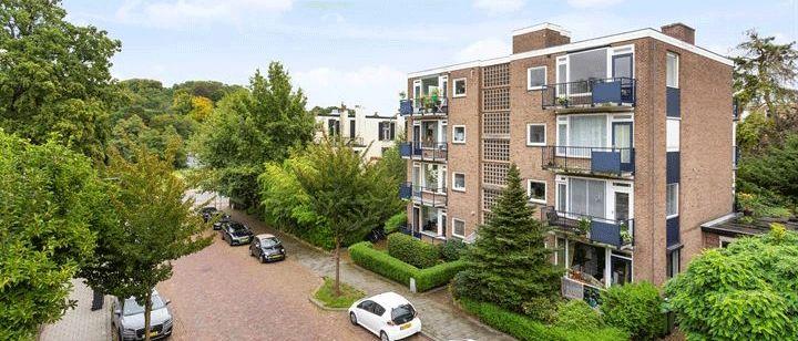 Voorbeeld van een lage flat uit de jaren '60
